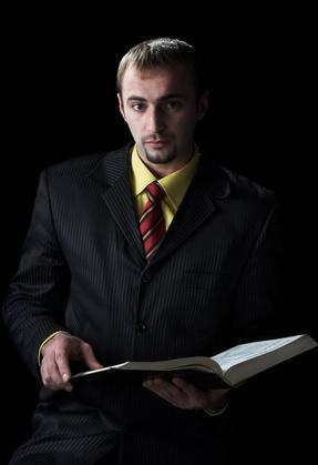 Estudiando La Palabra De Dios